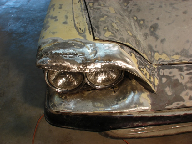 New fender peak to match the Caddy headlights