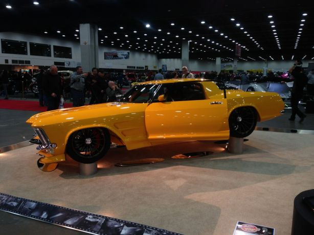 "Ladies and Gentlemen, your Ridler winner.  And answer to the question, ""How do you make a '64 Riviera ugly?"""