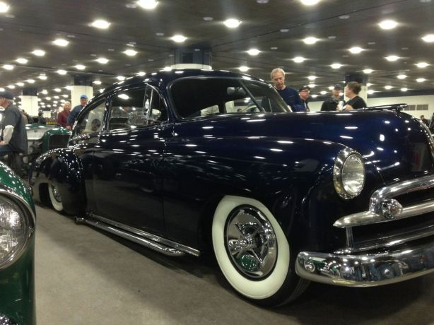 Smooth Chev. Fleetline.  Understated, simple, and clean.